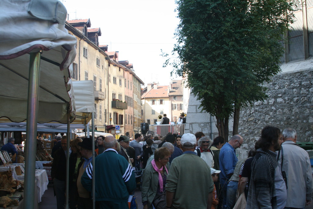 A typical Annecy street